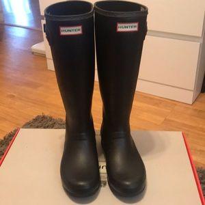 Hunter Black Matte Boots
